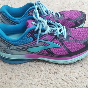 Brooks Ravenna 7 Running Shoes Womens Size 9